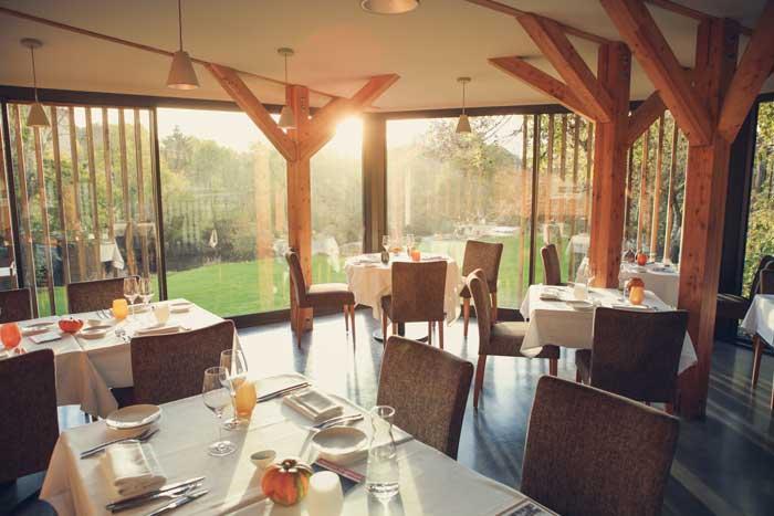 Salle du restaurant Le Moulin de la Tardoire
